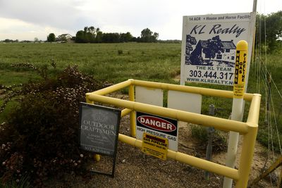 Drilling and fracking continue in Colorado coming ever closer to housing developments.