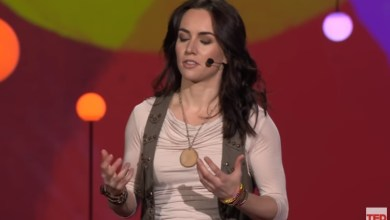 Photo of 3 lessons on decision-making from a poker champion | Liv Boeree