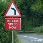 photo d'illustration paneau réduire vitesse