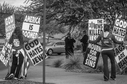 Menigheten Westboro Baptist Church er en blanding av storfamilie, sekt og hatgruppe. Foto: Wikipedia/HoppingRabbit34 CC-BY-3.0 https://creativecommons.org/licenses/by/3.0/