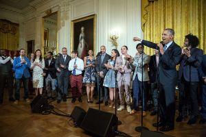 """Barack Obama holder avslutningstale på en fremføring av utvalgte musikknummer fra musikalen """"Hamilton"""" i Det hvite hus. Foto: Pete Souza"""