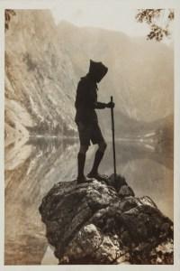 Kibbo Kift-medlem i Sveits, 1930. Foto: Angus McBean, fra Annebella Pollens samling