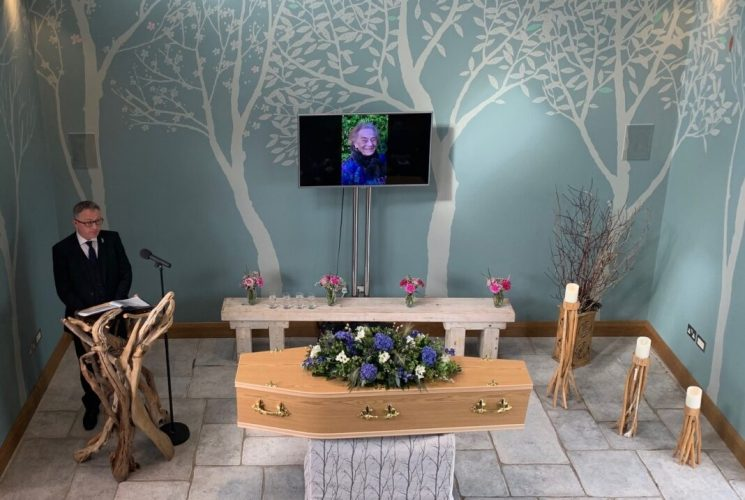 Barbara Fogg's funeral led by Simon Bull - Photo by Richard Hackett