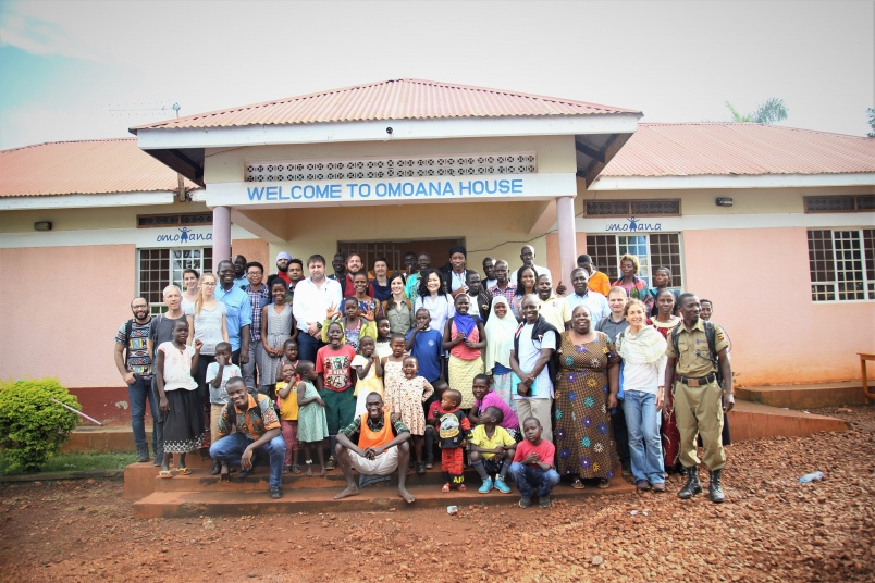 Allying theory and practice: CERAH students in Uganda to work for a concrete project