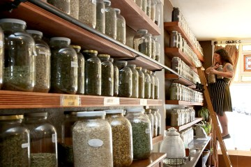 Anna's Apothecary in Manitou Springs, CO | humanitou.co