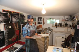 Printmaker Nikos Pulos in Manitou Springs, CO