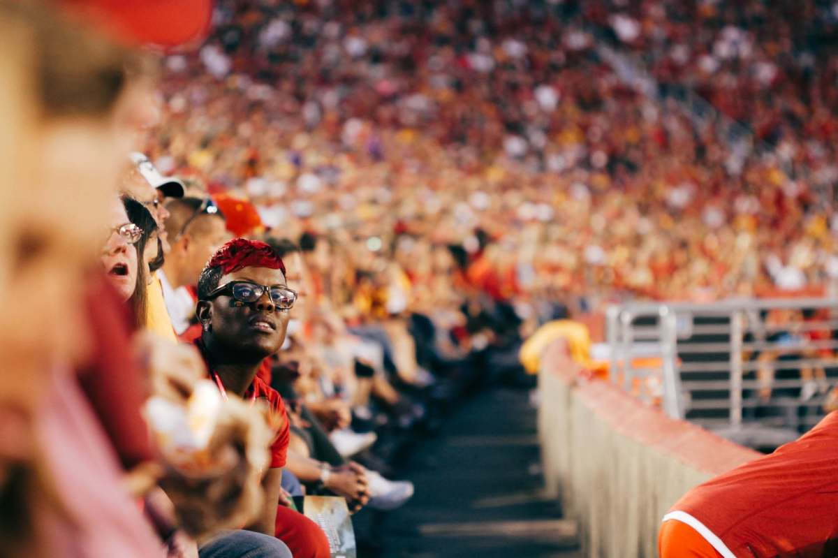 Use Twitter to increase sports fan loyalty