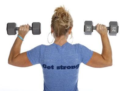 Women building muscle
