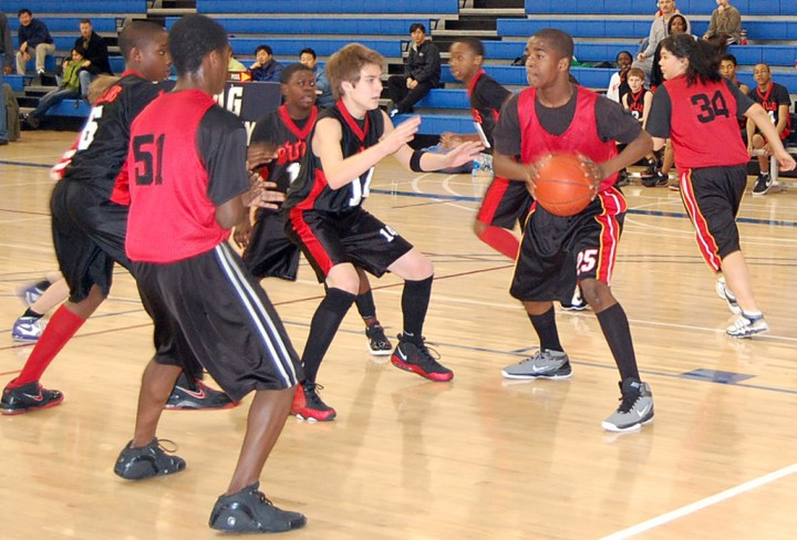 High school students participating in extracurricular school sport