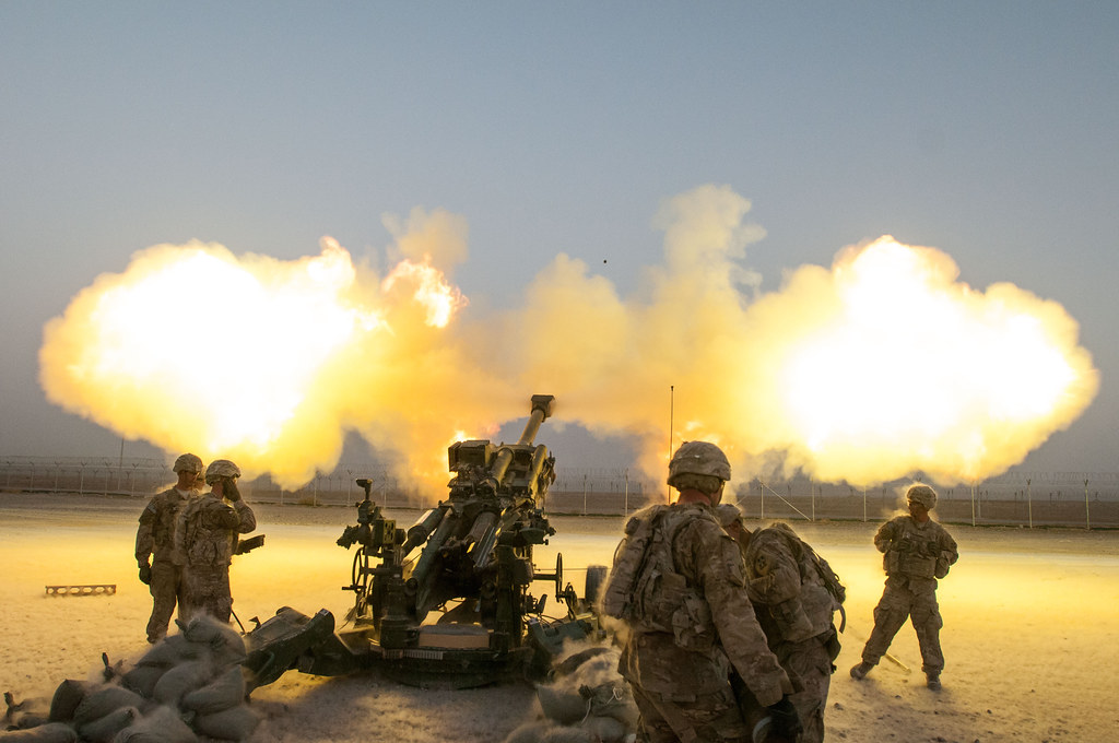 US army howitzer firing