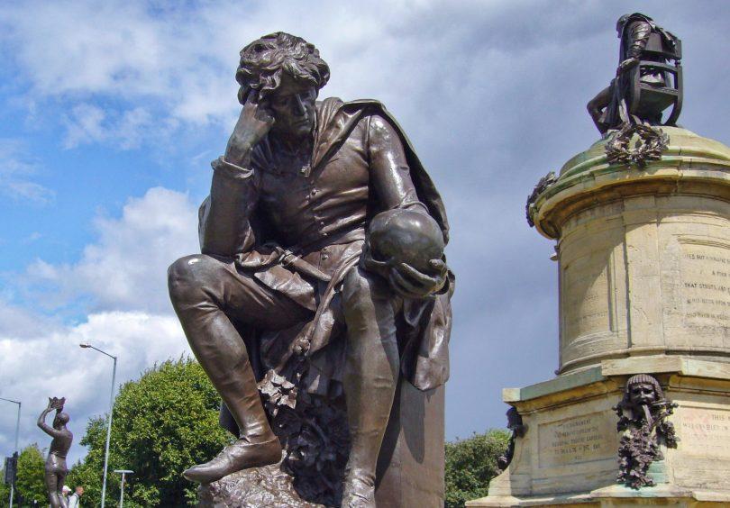 Hamlet-patsas Stratford upon Avonissa.