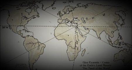 a grande pirâmide de Gizé está localizada no centro exato da massa terrestre