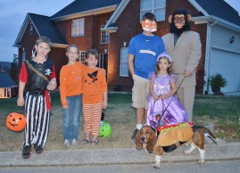 Halloween - a family & friend affair (with hot dogs!)