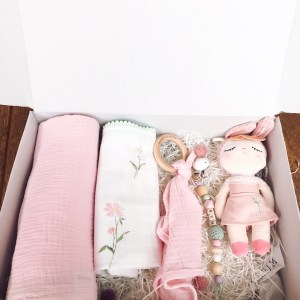 Surprise baby gift box