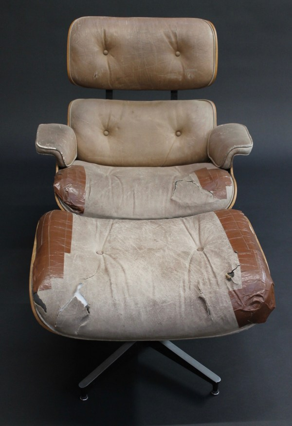 Eames Lounge & Ottoman photo