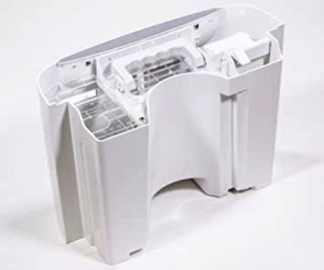 Image of how to clean Frigidaire dehumidifier bucket