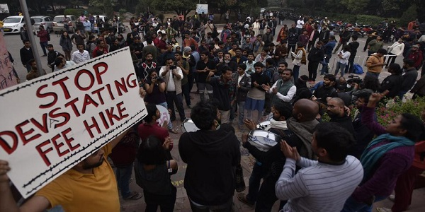 ghulam-nabi-azad-in-support-of-jnu-students-says-there-is-no-point-in-raising-fees-3