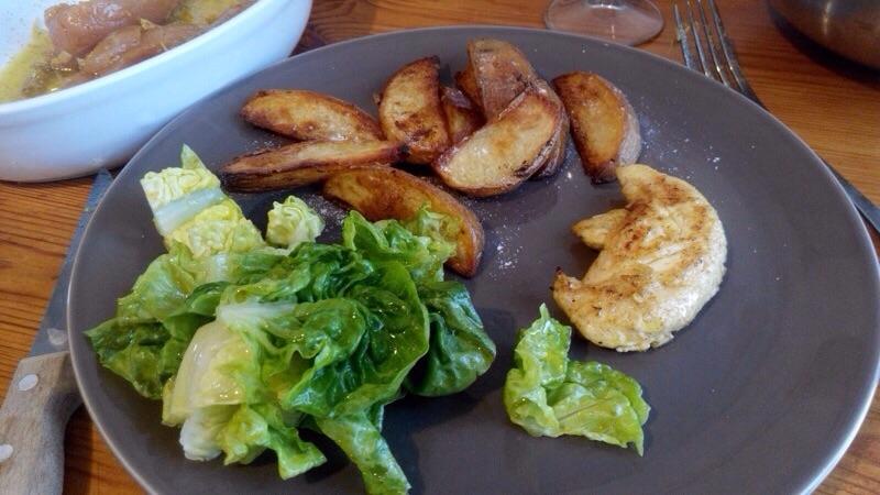 Potatoes au four et aiguillettes de poulet