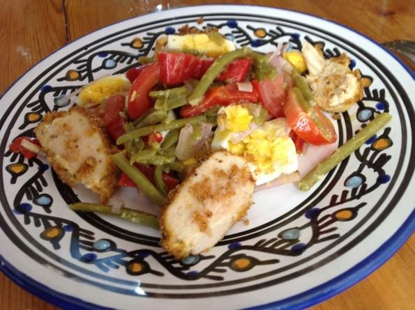 Salade composée de poulet et légumes