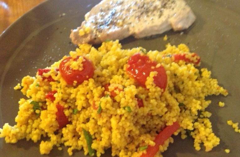 Salade couscous, tomates cerises confites, poivrons grillés