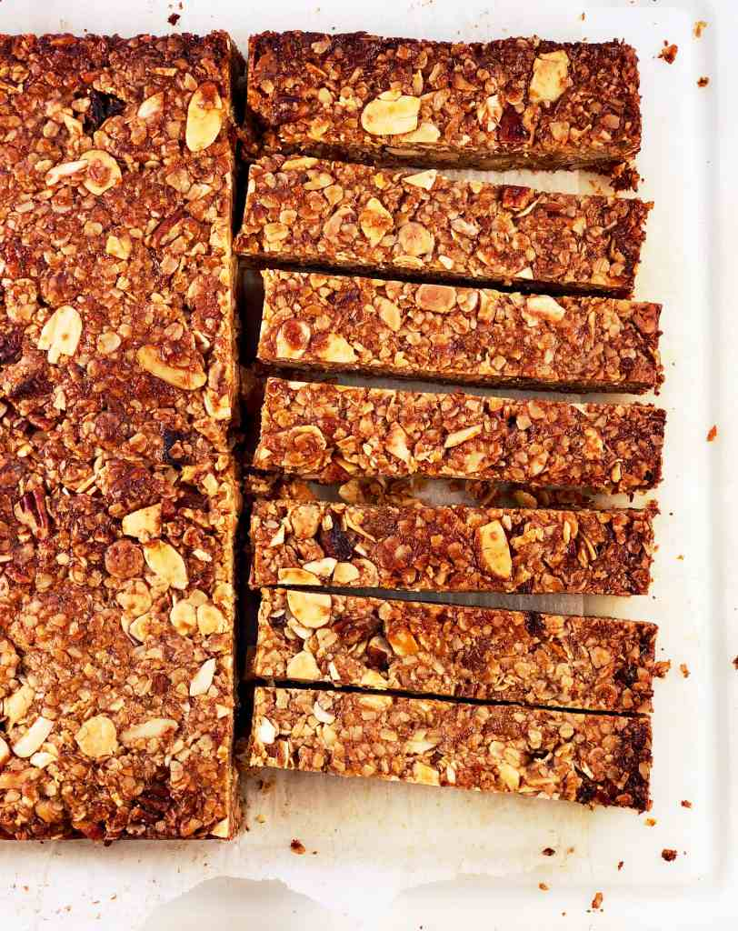 White Chocolate Apricot Granola Bars