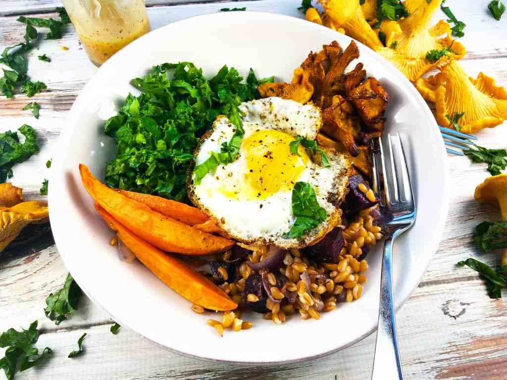 Farro Chantarelle Kale Bowl