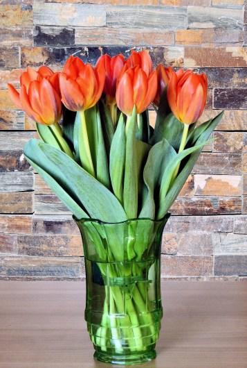 flower-vase-298829_1920