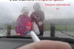 Cette loi qui interdit de fumer en présence de mineurs dans la voiture