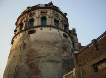 Gujrat-3-Mughal-Emperor-Akbars-Fort