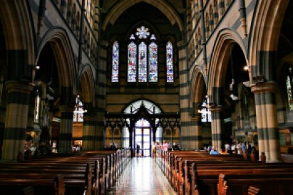 Interior_of_st_pauls_melb02 (1)
