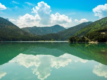 grandiose Landschaft am Lac de Castillon