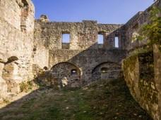 Das Burginnere der Ruine Bramberg