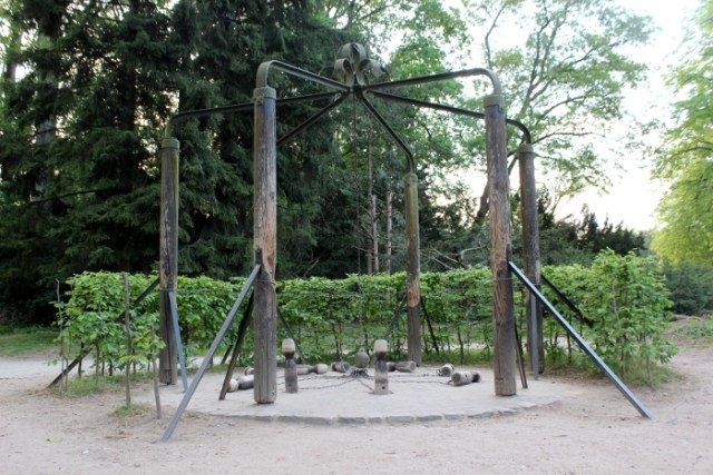 Kegelspiel im Park Schönbusch in Aschaffenburg