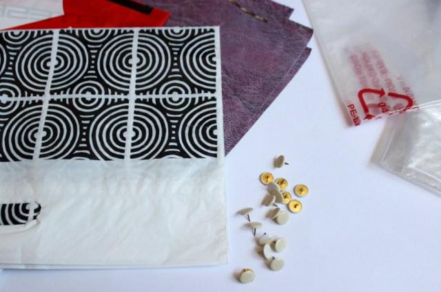 Plastiktüten für das DIY Kräuterregal