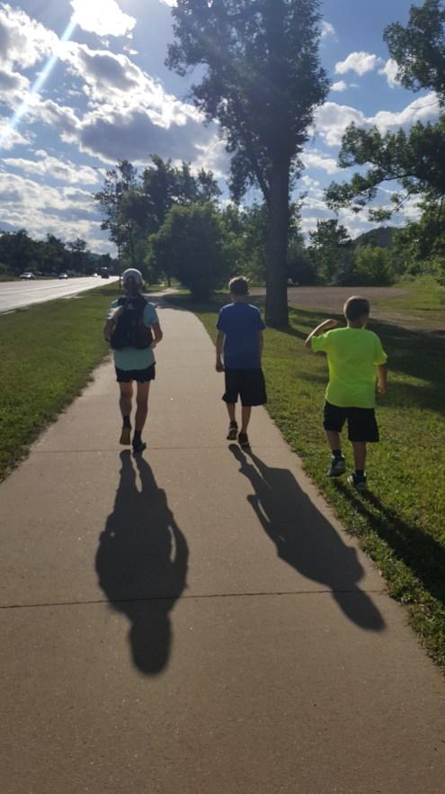 bike trail w boys