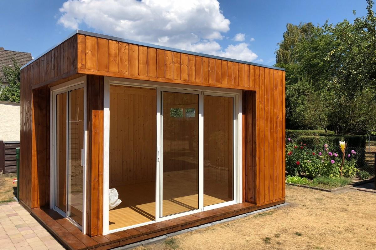 Elementhaus mit Schiebetüren und Flachdach mit EPDM-Folie