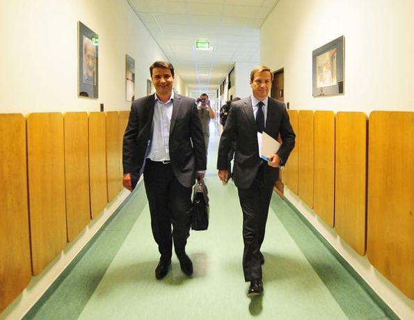Attila Mesterházy and Gordon Bajnai arrive at their meeting yesterday / Népsxzabadság, Photo Árpád Kurucz