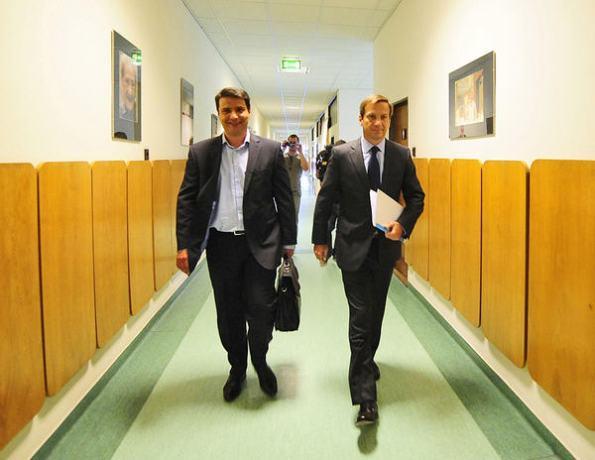Attila Mesterházy and Gordon Bajnai arrive at their meeting yesterday / Népsxzabadság, Photo Árpád Kurucz