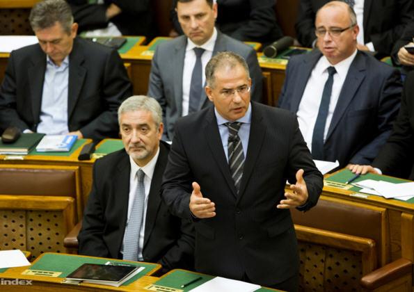 """Lajos Kósa: """"How many people have to die before Juncker resigns?"""""""