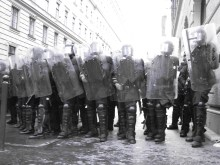 Riot cops block street near the Hungarian Parliament Building during anti-government demonstration (4/14/2009).