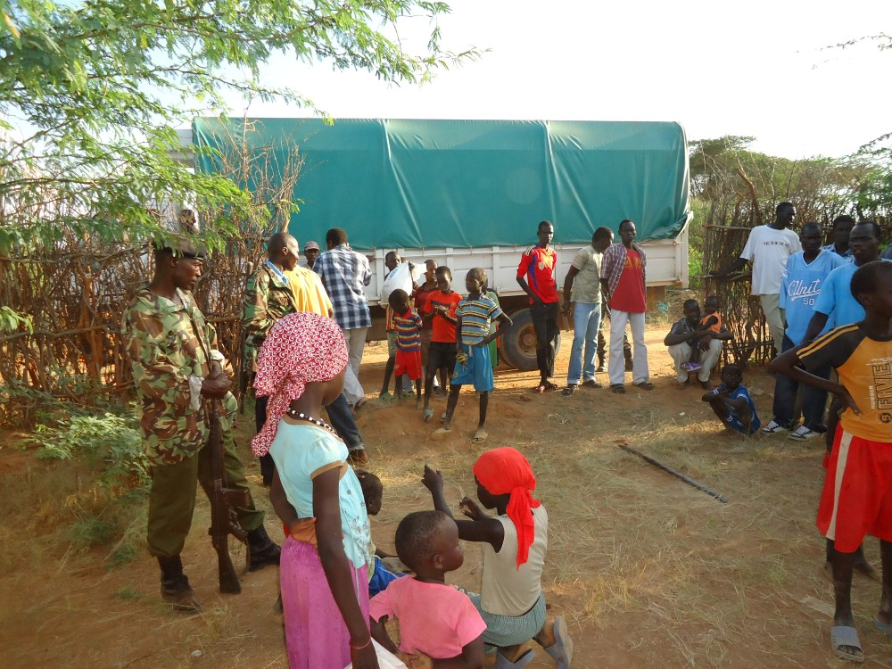 Christmas in Dadaab: Scary and Risky venture! (6/6)