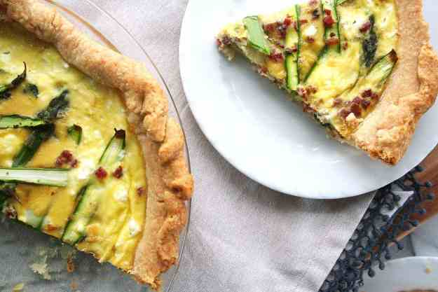Spring Quiche with Asparagus Pancetta and Goat Cheese | hungrybynature.com
