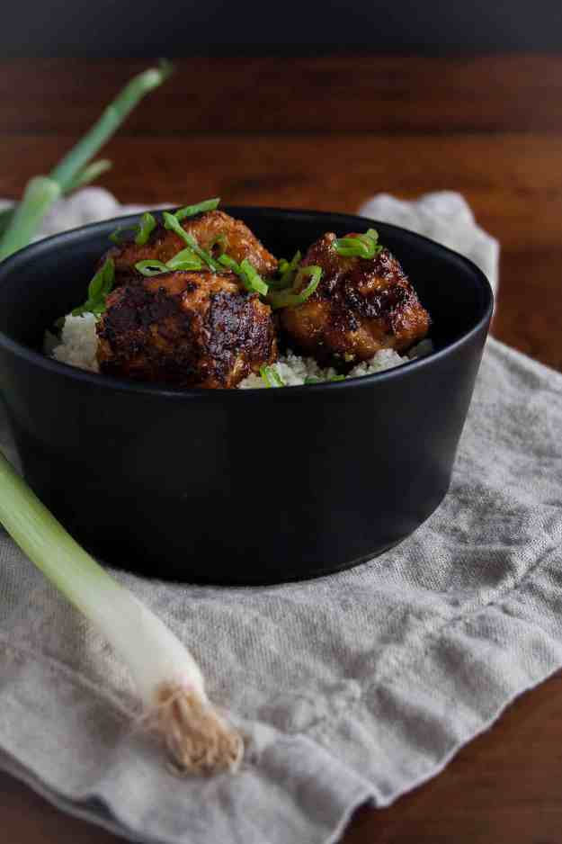 Spicy Korean Pork Meatballs | recipe, Asian, easy, paleo, gluten free, whole30, gochujang | hungrybynature.com
