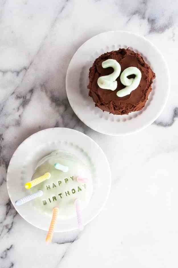 Happy Birthday x2 with Simple Mills and Dandies | gluten free, grain free, diary free, chocolate cake, chocolate frosting, banana bread, vanilla frosting, marshmallow fondant, mini | hungrybynature.com