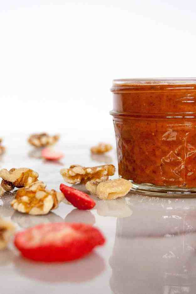 Roasted Walnut Butter with Strawberries | homemade, recipe, nut butter, spread, healthy, paleo, vegan, gluten free, grain free, whole30, easy | hungrybynature.com