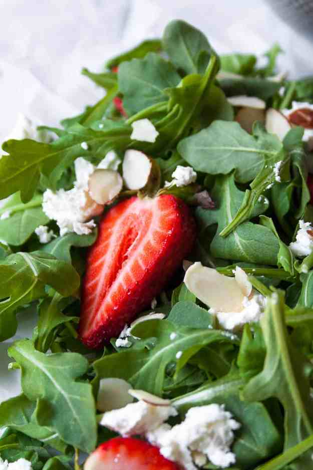 Strawberry Goat Cheese Salad with Green Goddess Vinaigrette | #dressing #almonds #arugula #summer #recipe #BBQ #goatcheese #paleo | www.hungrybynature.com