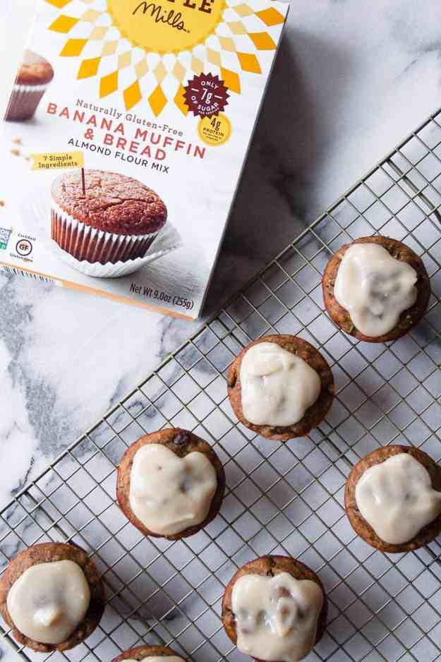 Paleo Zucchini Banana Muffins | #recipe #healthy #easy #glutenfree #moist #veggies #zucchini #paleo #ad #simplemills | www.hungrybynature.com