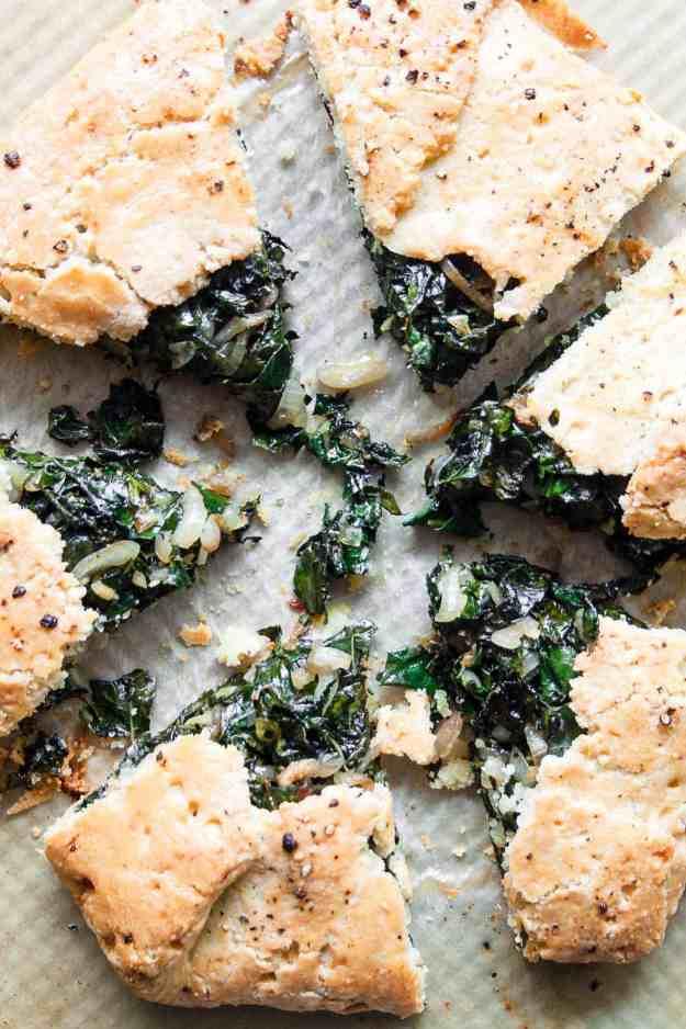Garlicky Kale Galette | #savorygalette #dinner #paleo #glutenfree #recipe #crust | www.hungrybynature.com