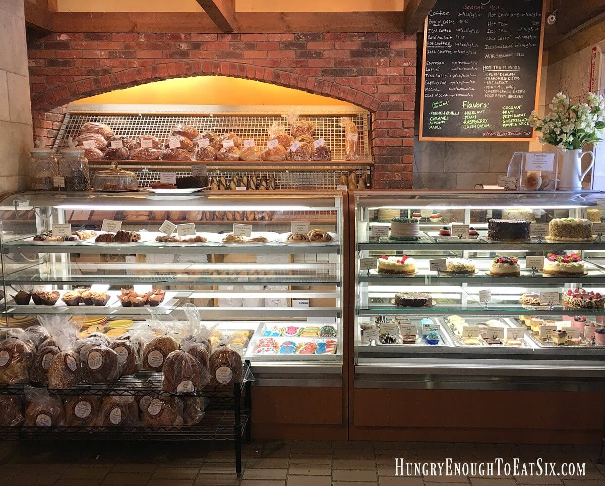 There are 8 bakeries on King Arthur Flour's Vermont Bakery Tour. Join me as I try them all! First stop: Klinger's Bakery & Cafe.