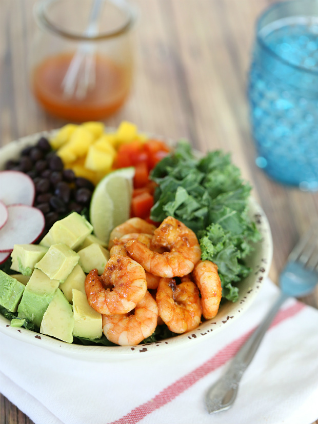 Shrimp Kale Salad with Taco Vinaigrette | @hungryfoodlove